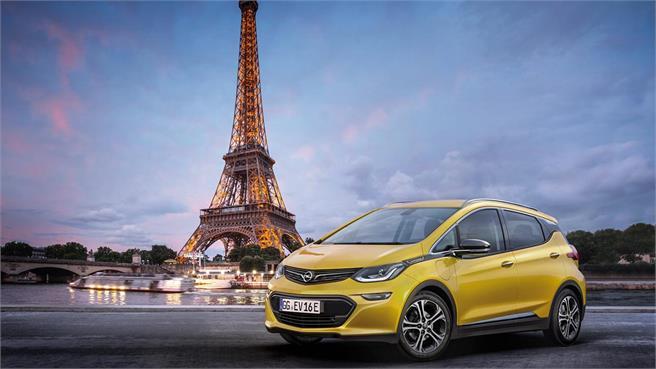 Coche eléctrico en Opel Ampera-e en Luis Batalla